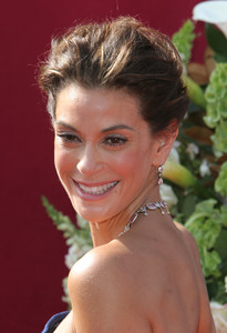 """The 57th Annual Primetime Emmy Awards""Teri Hatcher09-18-2005 / Shrine Auditorium / Los Angeles, CA - Image 21590_1203"