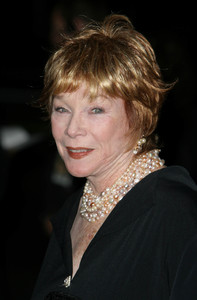 """""""In Her Shoes"""" (Premiere)Shirley MacLaine09-28-2005 / Academy of Motion Picture Arts & Sciences / Beverly Hills, CA / 20th Century Fox - Image 21590_1221"""