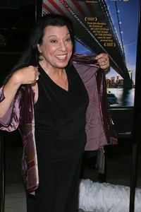 """In America"" Premiere 11-20-03Shelly MorrisonPhoto By Sam Kweskin - Image 21607_0003"