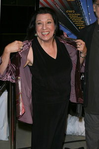 """In America"" Premiere 11-20-03Shelly MorrisonPhoto By Sam Kweskin - Image 21607_0004"