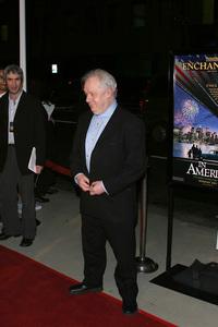 """In America"" Premiere 11-20-03Director Jim SheridanPhoto By Sam Kweskin - Image 21607_0035"