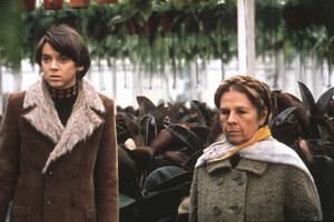 """Harold and Maude""Bud Cort, Ruth Gordon1971 Paramount**I.V. - Image 21644_0004"