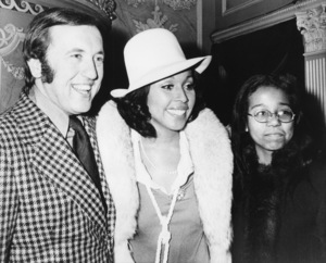David Frost with fiancée Diahann Carroll and her daughter Suzanne at the Duke of York