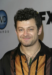 """DVD Exclusive Awards"" 12-02-03Andy SerkisMPTV  - Image 21709_0010"