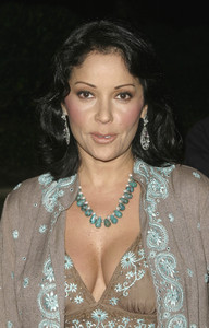 """An Evening with Brian Wilson and Friends: 5th Annual Concert"" 10-16-03Apollonia Kotero  - Image 21709_0011"