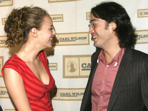 """""""An Evening with Brian Wilson and Friends: 5th Annual Concert"""" 10-16-03Bijou Phillips and Sean LennonMPTV - Image 21709_0022"""