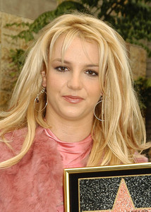 """Walk of Fame Star Ceremony"" 11-17-03Britney Spears MPTV  - Image 21709_0024"