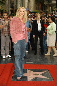 """Walk of Fame Star Ceremony"" 11-17-03Britney Spears MPTV  - Image 21709_0027"