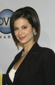 """DVD Exclusive Awards"" 12-02-03Catherine BellMPTV  - Image 21709_0042"