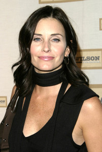 """""""An Evening with Brian Wilson and Friends: 5th Annual Concert"""" 10-16-03Courteney Cox-ArquetteMPTV - Image 21709_0051"""