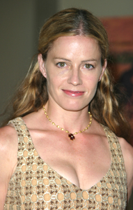 """4th Annual Bridge Awards"" 9-25-03Elisabeth ShueMPTV - Image 21709_0067"