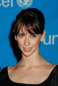 """UNICEF Goodwill Gala: 50 Years of Celebrity Advocacy"" 12-03-03Jennifer Love HewittMPTV - Image 21709_0095"
