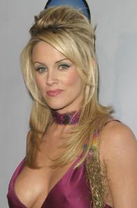 """DVD Exclusive Awards"" 12-02-03Jenny McCarthyMPTV - Image 21709_0097"