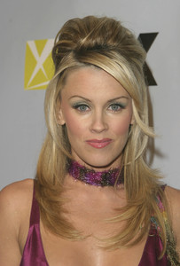 """DVD Exclusive Awards"" 12-02-03Jenny McCarthyMPTV - Image 21709_0098"