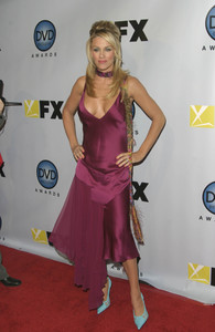 """DVD Exclusive Awards"" 12-02-03Jenny McCarthyMPTV - Image 21709_0099"