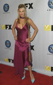 """DVD Exclusive Awards"" 12-02-03Jenny McCarthyMPTV - Image 21709_0100"