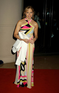 """""""UNICEF Goodwill Gala: 50 Years of Celebrity Advocacy"""" 12-03-03Katie CouricMPTV - Image 21709_0112"""