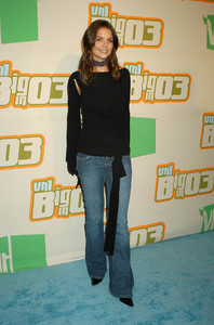 """VH1 Big in 2003 Awards"" 11-20-03Katie HolmesMPTV - Image 21709_0116"