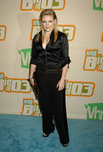 """""""VH1 Big in 2003 Awards"""" 11-20-03Natalie Maines of The Dixie ChicksMPTV - Image 21709_0130"""