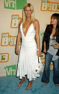 """VH1 Big in 2003 Awards"" 11-20-03Nicky HiltonMPTV - Image 21709_0133"