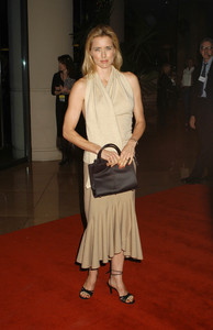 """UNICEF Goodwill Gala: 50 Years of Celebrity Advocacy"" 12-03-03Tea LeoniMPTV - Image 21709_0179"
