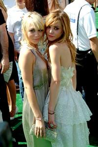 """New York Minute"" (Premiere)Ashley Olsen and Mary-Kate Olsen 05/01/2004 / Grauman"