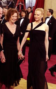 """75th Annual Academy Awards"" 03/25/03Nicole Kidman & Mother © 2003 AMPAS/MPTV - Image 21711_0008"