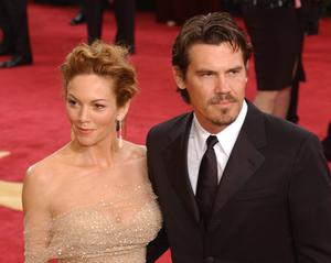 """75th Annual Academy Awards"" 03/25/03Diane Lane & Josh Brolin © 2003 AMPAS/MPTV - Image 21711_0010"