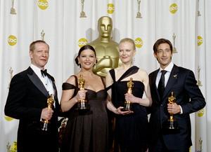 """75th Annual Academy Awards"" 03/25/03Chris Cooper, Catherine Zeta-Jones, Nicole Kidman, and Adrien Brody © 2003 AMPAS/MPTV - Image 21711_0028"