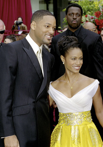 """74th Annual Academy Awards"" 03/24/02 Will Smith & Jada Pinkett Smith © 2002 AMPAS/MPTV - Image 21725_0002"