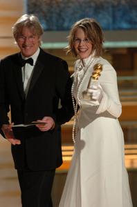 """Golden Globe Awards"" 1-25-2004Richard Gere & Diane Keaton © 2004 MMIV Hollywood Foreign Press Association - Image 21726_0130"