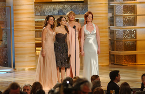 """Golden Globe Awards"" 1-25-2004L to R Kristin Davis, Sarah Jessica Parker,Kim Cattrall, & Cynithia Nixon © 2004 MMIV Hollywood Foreign Press Association - Image 21726_0132"