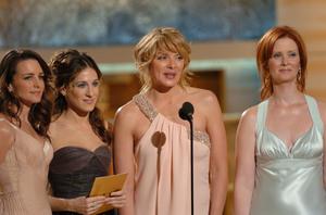 """Golden Globe Awards"" 1-25-2004L to R Kristin Davis, Sarah Jessica Parker,Kim Cattrall, & Cynithia Nixon © 2004 MMIV Hollywood Foreign Press Association - Image 21726_0133"