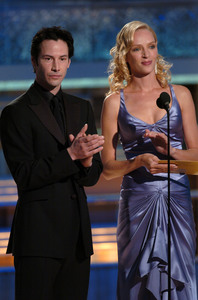 """Golden Globe Awards"" 1-25-2004Keanu Reeves & Uma Thurman © 2004 MMIV Hollywood Foreign Press Association - Image 21726_0135"