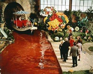 """Willy Wonka and the Chocolate Factory""1971 Paramount**I.V. - Image 21729_0004"