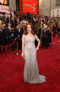 """""""76th Annual Academy Awards"""" February 29, 2004Julianne Moore © 2004 AMPAS - Image 21781_0021"""