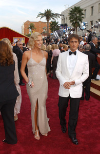 """76th Annual Academy Awards"" February 29, 2004Charlize Theron & Stuart Towsend © 2004 AMPAS - Image 21781_0025"