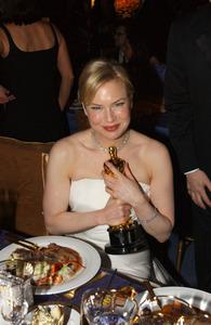 """76th Annual Academy Awards"" February 29, 2004Renee Zellweger © 2004 AMPAS - Image 21781_0038"