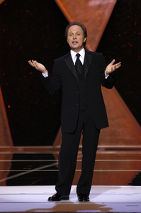 """""""76th Annual Academy Awards"""" February 29, 2004Billy Crystal © 2004 AMPAS - Image 21781_0044"""