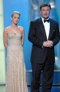 """76th Annual Academy Awards"" February 29, 2004Naomi Watts & Alec Baldwin © 2004 AMPAS - Image 21781_0047"