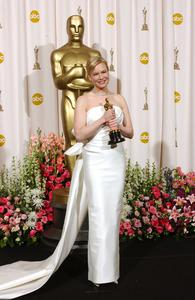 """76th Annual Academy Awards"" February 29, 2004Renee Zellweger © 2004 AMPAS - Image 21781_0050"