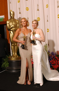 """""""76th Annual Academy Awards"""" February 29, 2004Charlize Theron & Renee Zellweger © 2004 AMPAS - Image 21781_0058"""