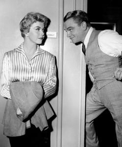 """""""Love Me, Leave Me""""Doris Day & James Cagney1955 MGM**I.V. - Image 21794_0005"""