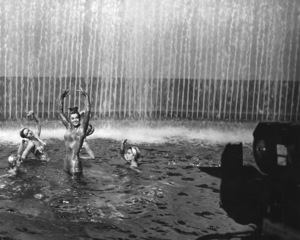 """Million Dollar Mermaid""Esther Williams1952 MGM**I.V. - Image 21795_0013"