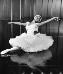 """Million Dollar Mermaid""Maria Tallchief1952 MGM**I.V. - Image 21795_0019"