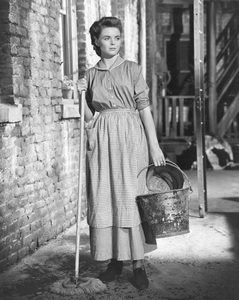 """A Tree Grows in Brooklyn""Dorothy McGuire1945 20th Century Fox**I.V. - Image 21804_0004"