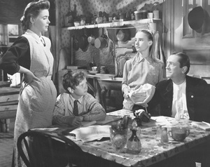 """A Tree Grows in Brooklyn""Dorothy McGuire,Ted Donaldson, Peggy Ann Garner, & James Dunn1945 20th Century Fox**I.V. - Image 21804_0008"