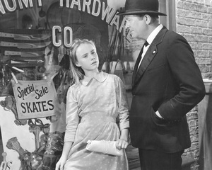 """A Tree Grows in Brooklyn""Peggy Ann Garner & James Dunn1945 20th Century Fox**I.V. - Image 21804_0011"