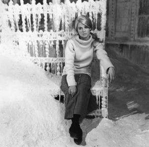 """Julie Christie on the set of """"Doctor Zhivago""""1965** I.V. - Image 2191_0111"""