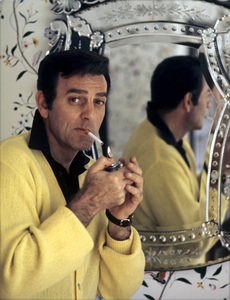 Mike Connors at home1970 © 1978 Gene Trindl - Image 2217_0005a